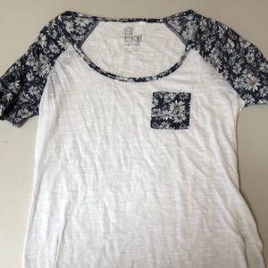 Nollie Flower pocket tshirt